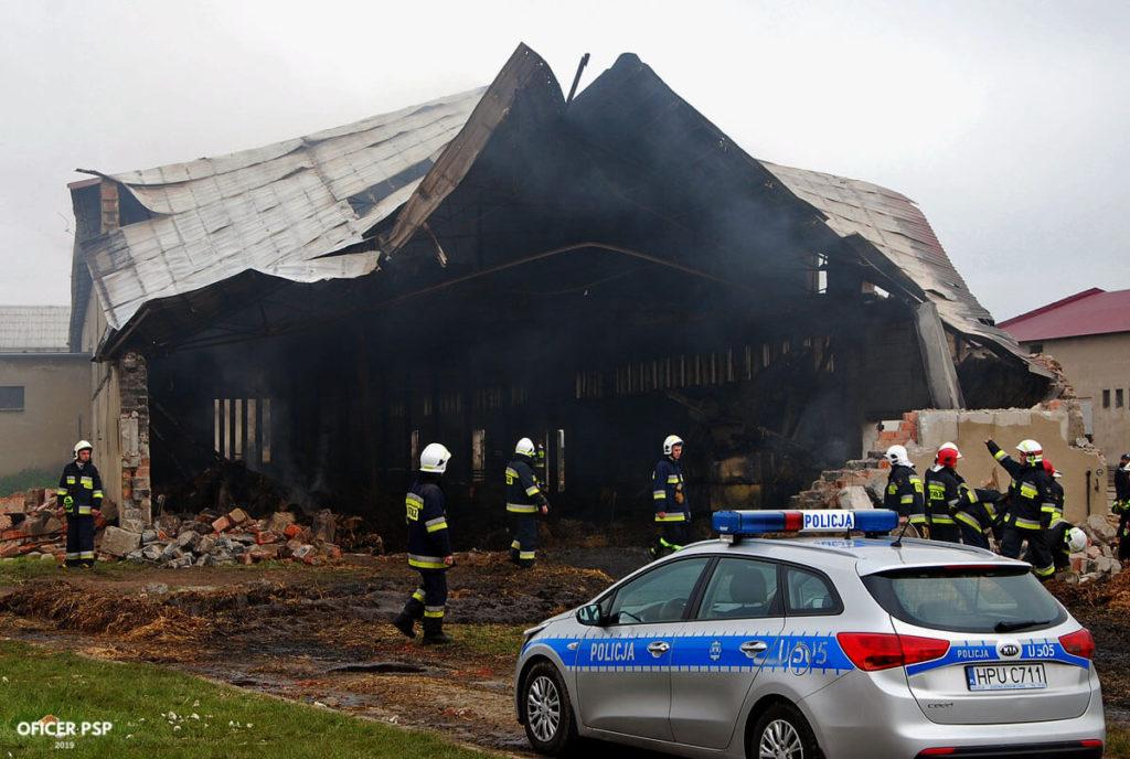 hala wyburzenie policja 1024x688 - Pożar w owczarni