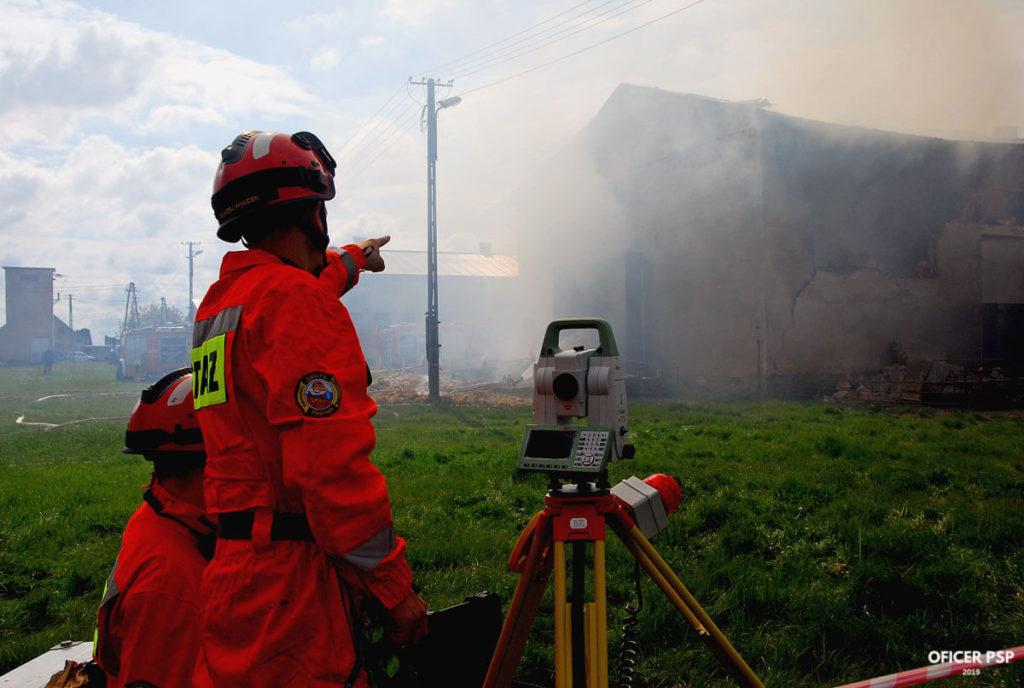 strazacy sgpr tachimetr 1024x688 - Pożar w owczarni