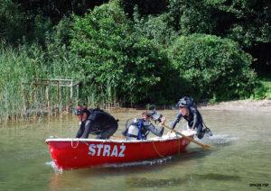 strazacy lodz woda 300x212 - Bezpieczeństwo w czasie wypoczynku nad wodą