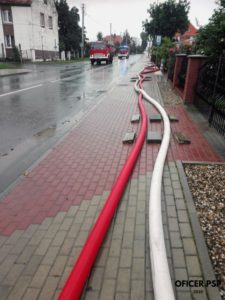 magistrala w110 1 225x300 - Pożar stert słomy w Jordanowie Śląskim
